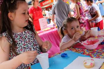 Cookie and Cupcake Decorating 16
