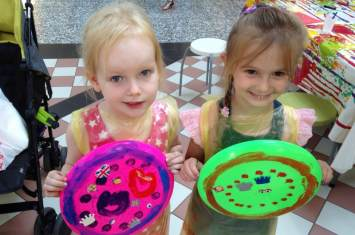 Frisbee Decorating Workshop 25
