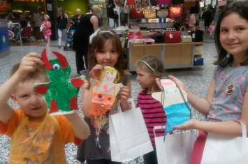 Mermaid and monster fabric hand puppet workshop  5
