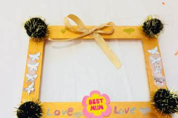 Photo frames and holders 22