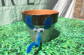 Pescod Square Flower Pot Painting 12