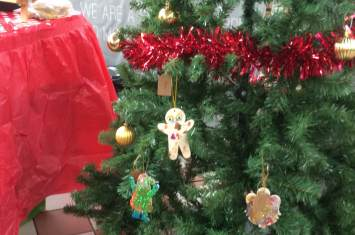 Christmas Tree Decoration Workshop 9